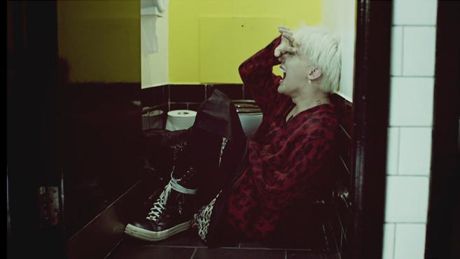 G Dragon 2013 Crooked G-Dragon – Crooked M...