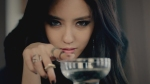 Hyomin has different coloured eyes!
